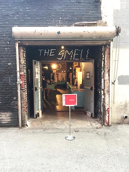 Smell-door